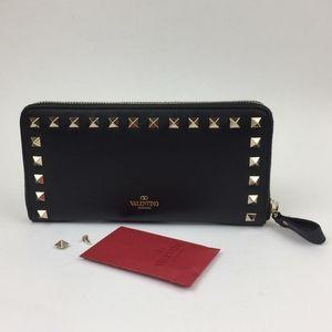 VALENTINO Rockstud Continental Leather Wal…